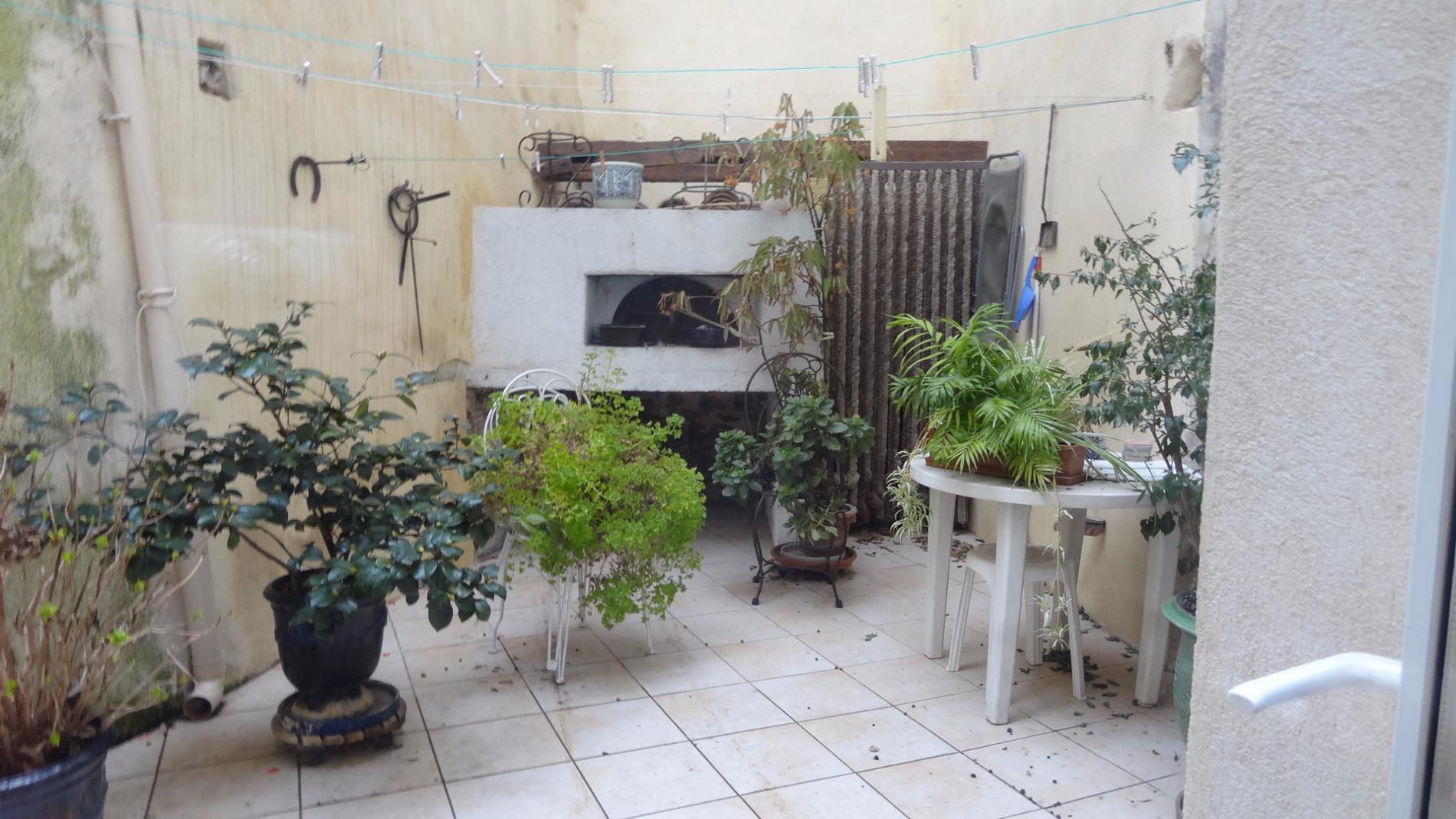Vente milhaud jolie maison de village t6 avec cour - Milhaud cuisine ...